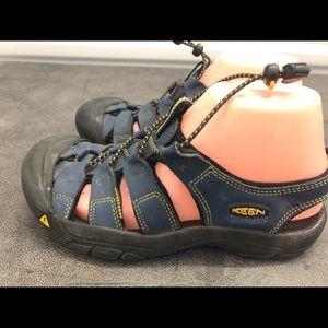 Keen Dark Blue Women's Hiking Sport Sandals Size 7